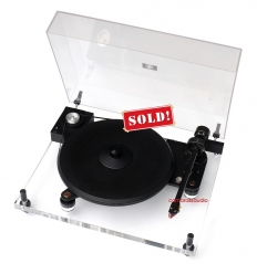 Pro-Ject Perspective Acrylic Turntable 2M RED